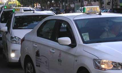 Puñetazo de un cliente a un taxista