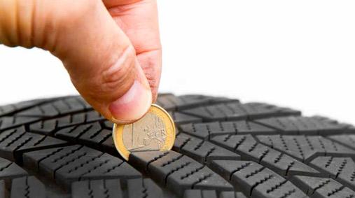 Solo uno de cada tres conductores conoce el estado de sus neumáticos