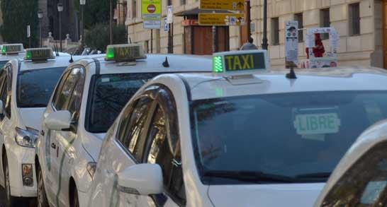 Los taxis de Córdoba y Granada, de sobresaliente