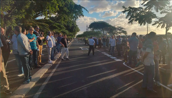 Manifestaci�n en S.C de Tenerife para mejorar la tarifa