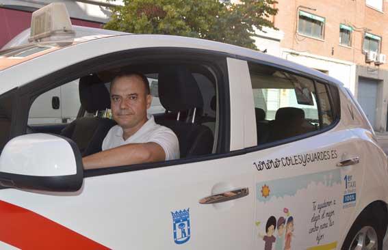 Sin miedo al futuro, as� son los taxistas de el�ctricos