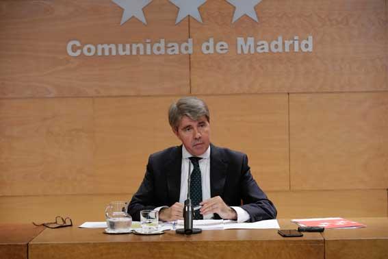La CAM anuncia dos millones de euros de ayuda para taxis ECO