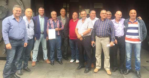 El taxi de Canarias pide la destitución del Director de Transporte