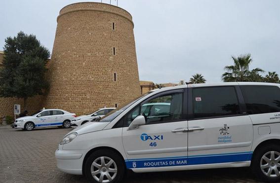 El taxi de Roquetas de Mar actualiza su imagen