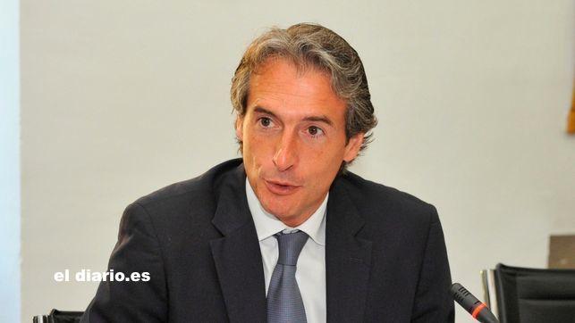 """El ministro de la Serna, posible nuevo """"escollo"""" para el taxi"""