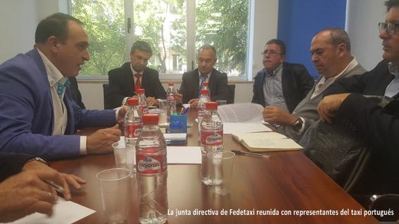 Manifiesto de alianza entre Fedetaxi y ANTRAL