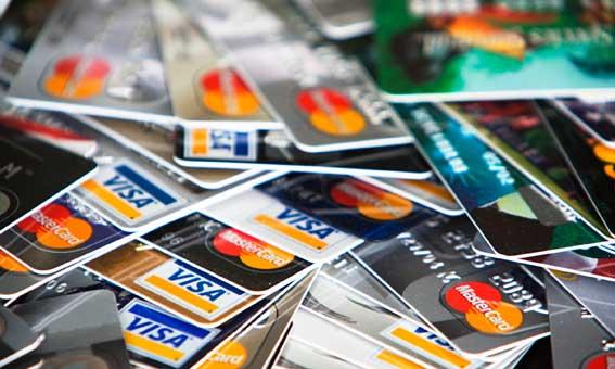 Detenido un taxista por robar las tarjetas de crédito a 40 clientes