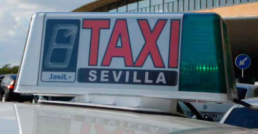 Imputados varios taxistas del aeropuerto de Sevilla