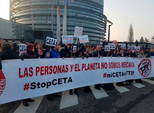 El taxi español, presente en Estrasburgo contra el CETA