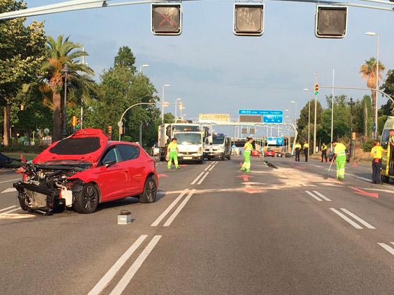 Siete heridos tras el choque entre un turismo y un taxi