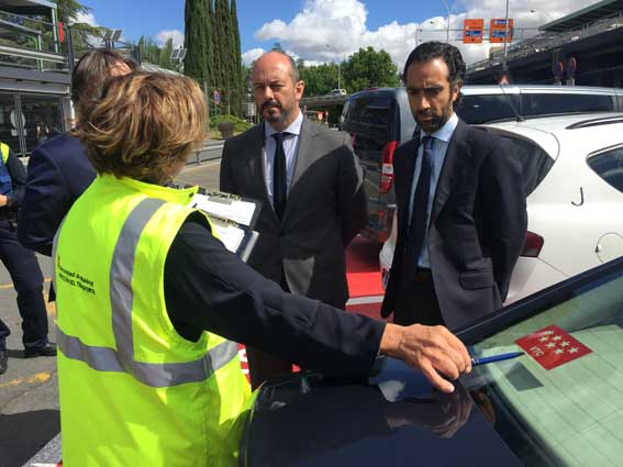 Sancionados 1.455 vehículos de hasta nueve plazas por la CAM