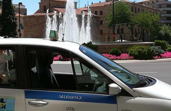Una pareja ebria agrede a un taxista en Salamanca