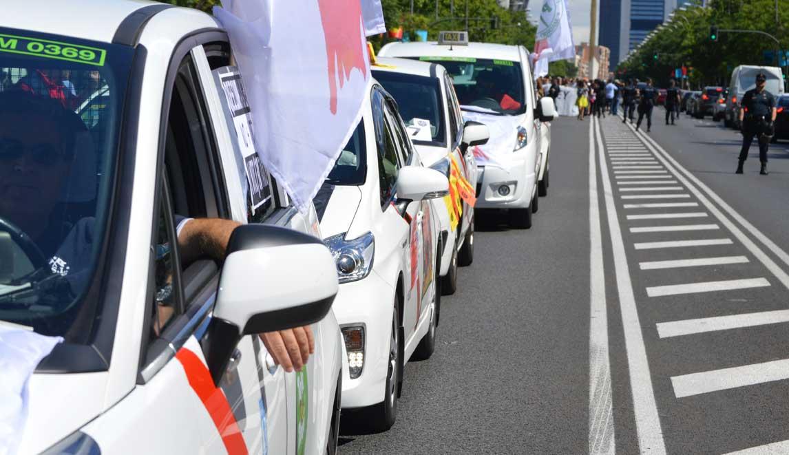 El taxi  pide una reunión urgente con el ministro de Fomento