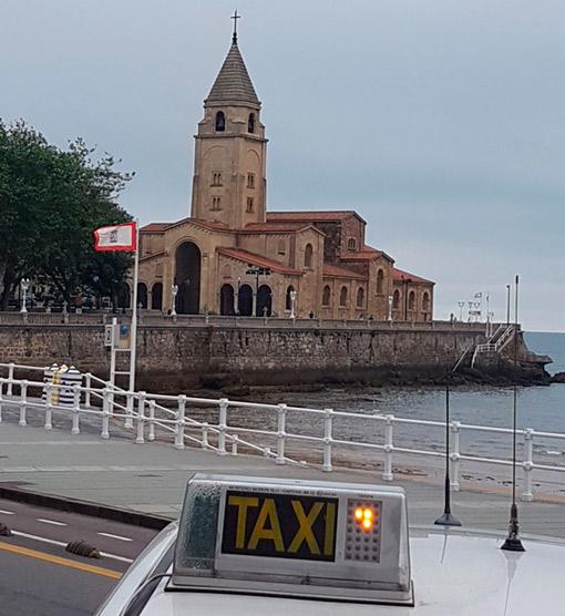 Mujeres taxistas de Gijón reivindican su labor en el sector
