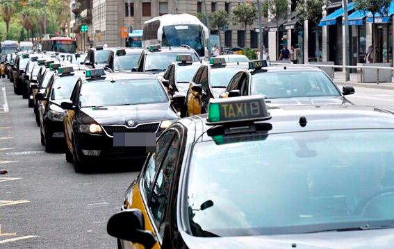 El taxi de Barcelona evidencia su descontento con el IMET