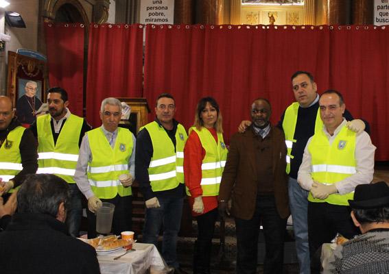 AGATM colabora con Mensajeros de la Paz en un desayuno solidario