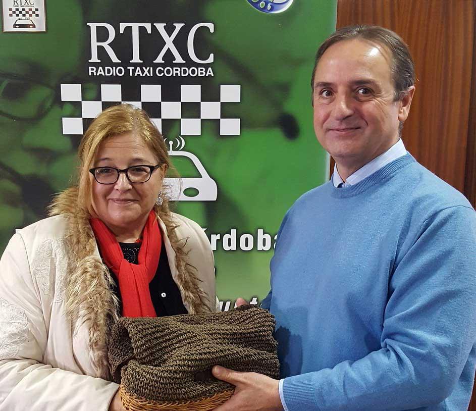 Un taxista cordobés devuelve un bolso con 750 euros