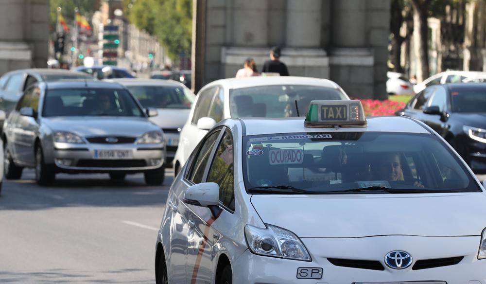"""El taxi madrileño comienza su revolución """"eco"""""""