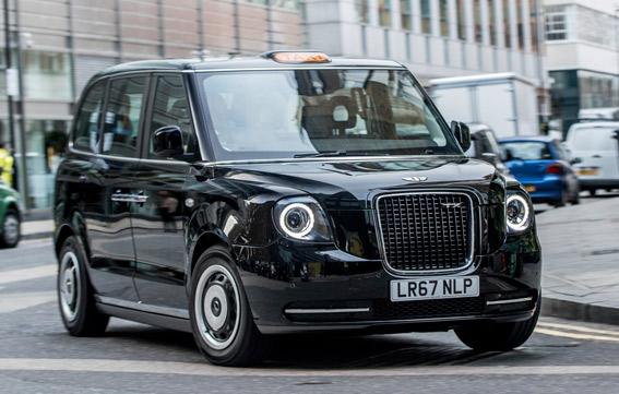Londres estrena el modelo eléctrico de sus míticos taxis negros