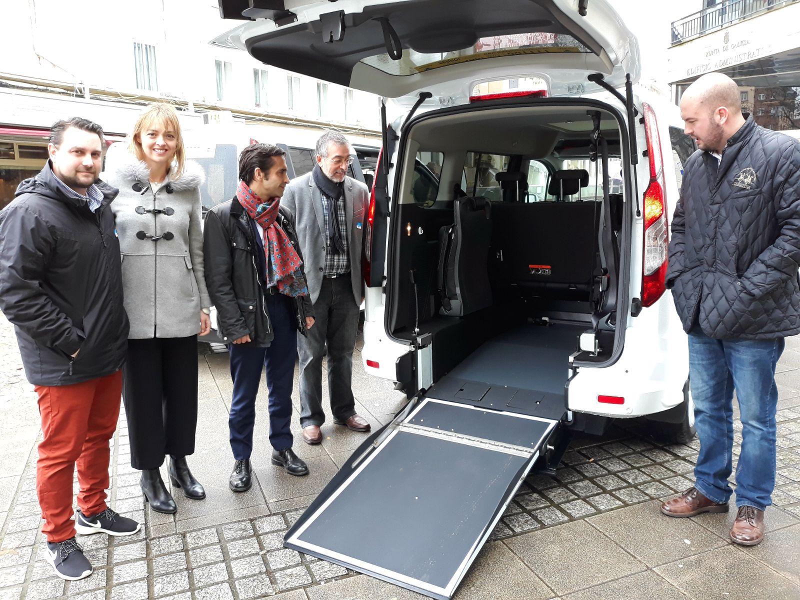 La Xunta promueve la adquisición de taxis adaptados