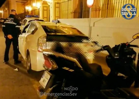 Denunciada por intrusismo en el aeropuerto de Sevilla