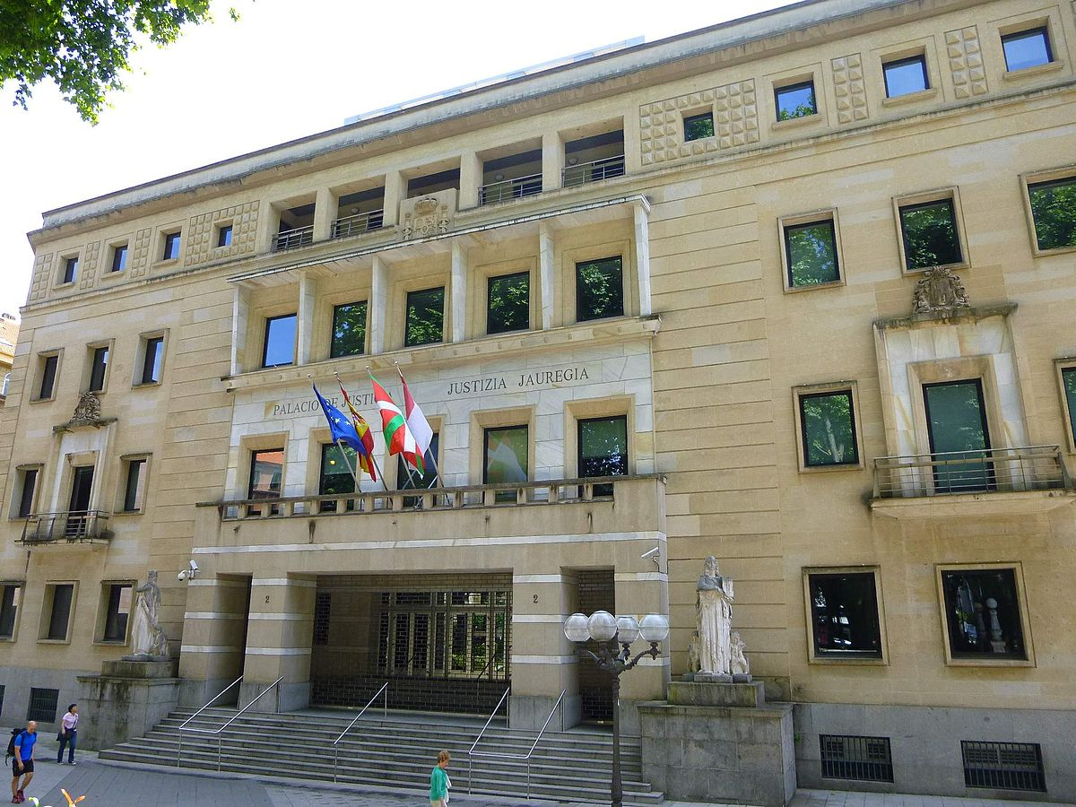 El Tribunal del País Vasco paraliza 60 VTCs