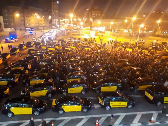 Barcelona no regulará el taxi cuando acabe el estado de alarma