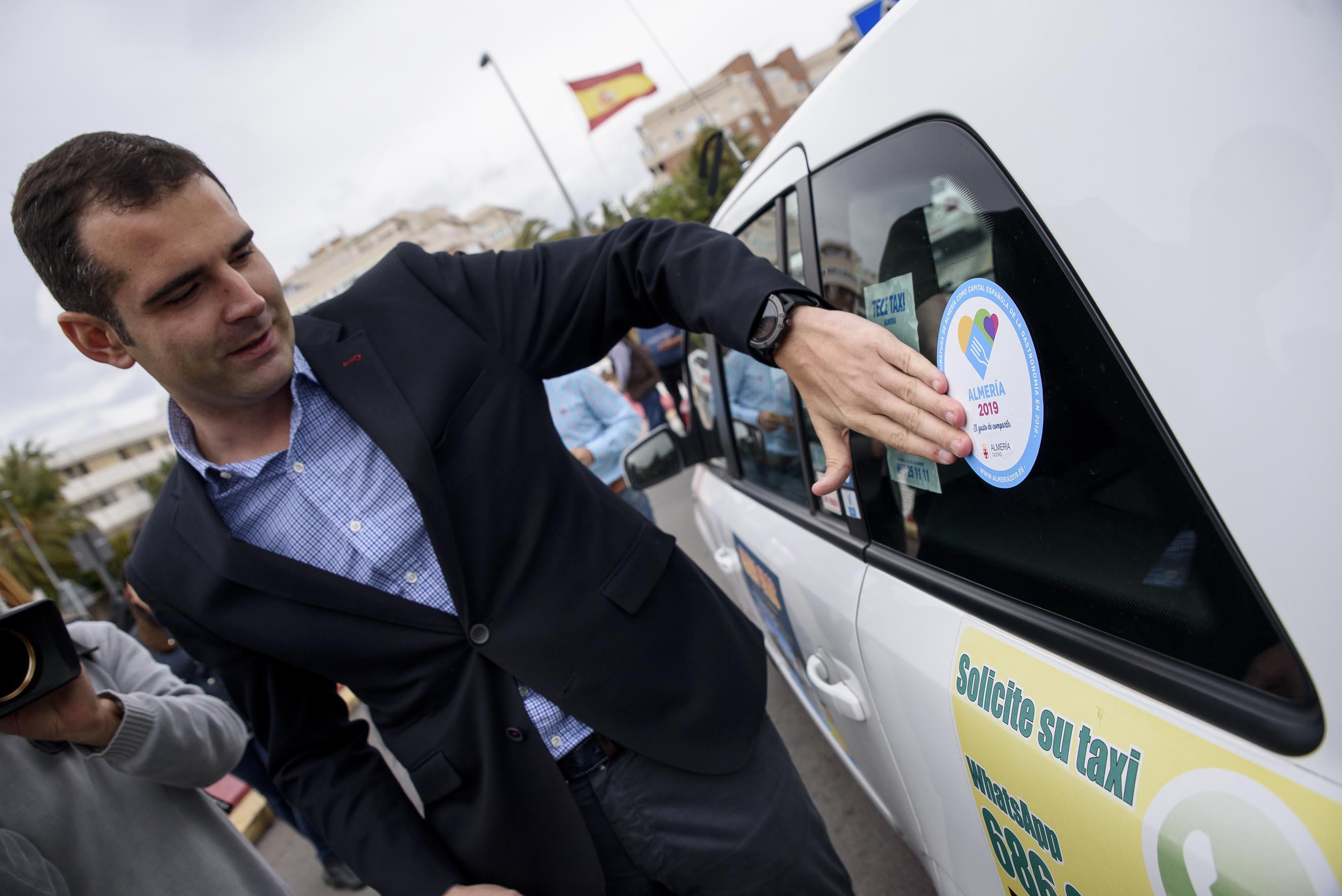 El taxi, embajador de la candidatura de Almería 2019