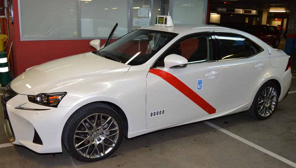 A punto de autorizarse el Lexus IS300h