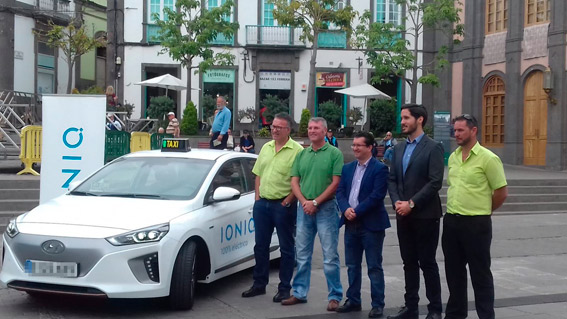 Presentado el primer taxi eléctrico en Las Palmas