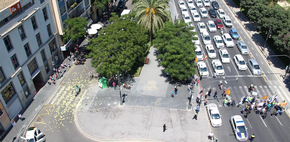 Protesta en contra de las 12+4 en Valencia