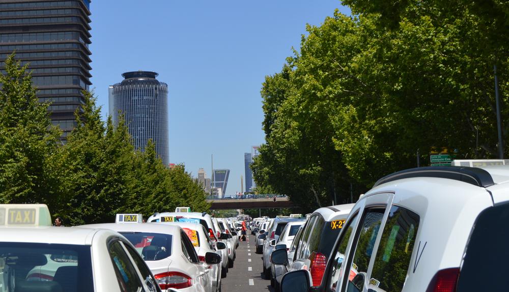 El taxi concede al Gobierno una ´tregua´ hasta septiembre