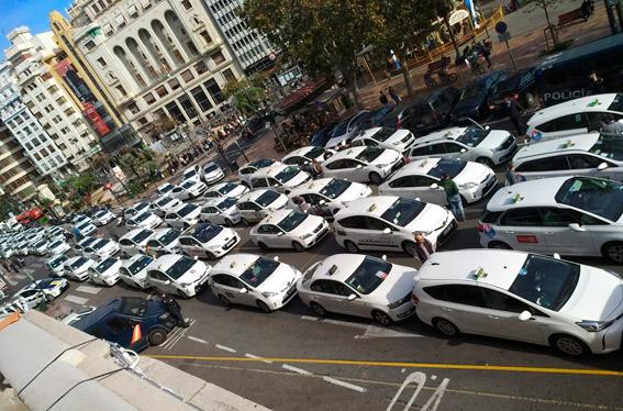 Concentración en Valencia contra Transportes