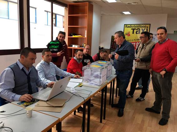El taxi madrileño responde a la llamada a las urnas