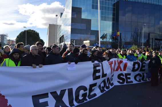 La CAM continúa rechazando las peticiones de los taxistas