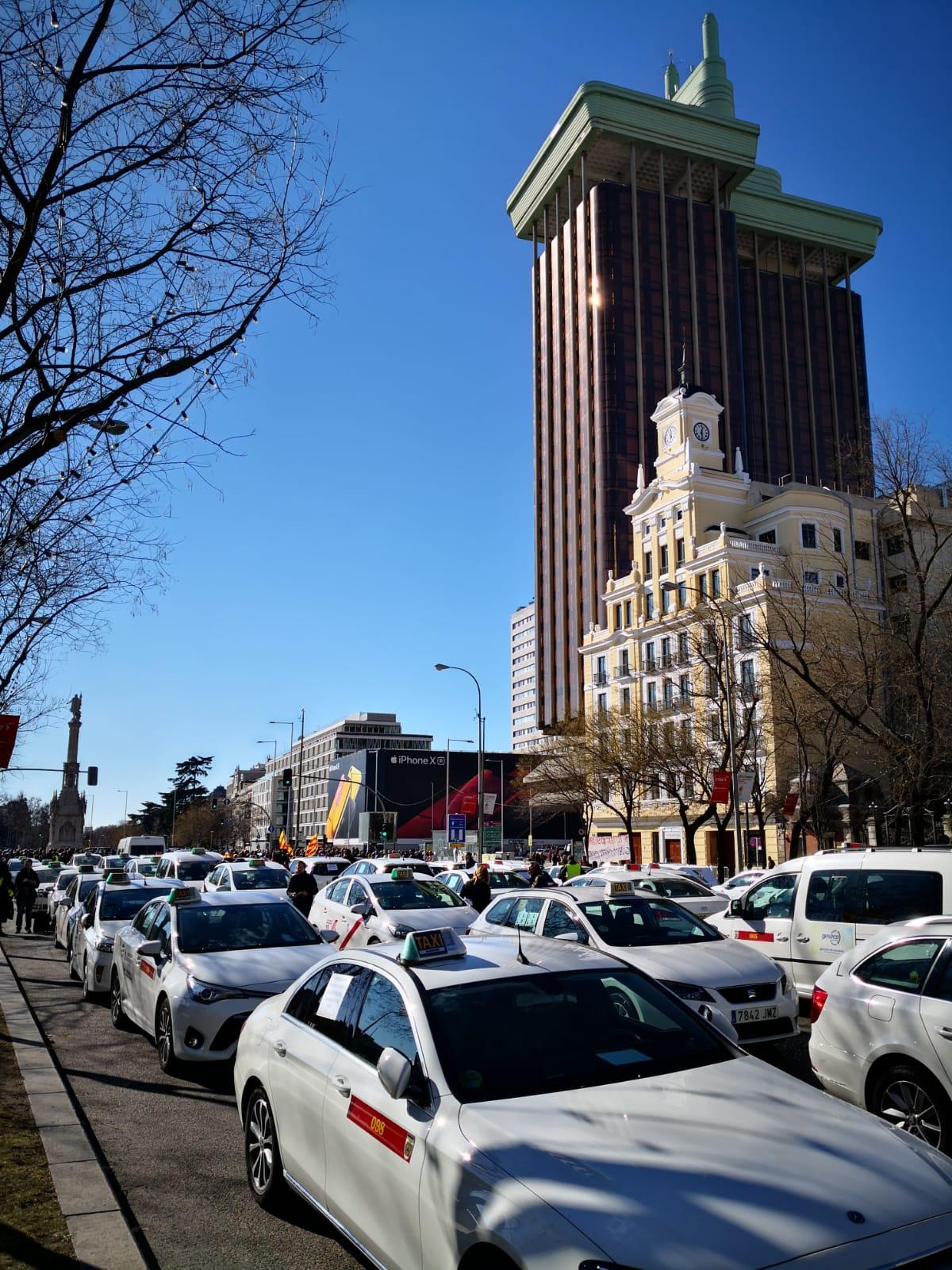 """El taxi traslada su """"base de operaciones"""" al centro de Madrid"""