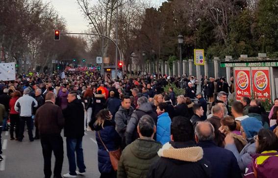 Distintos colectivos apoyan al taxi en su lucha en Madrid