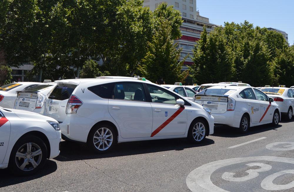 La CAM descarta motivos sanitarios para reducir la oferta de taxi
