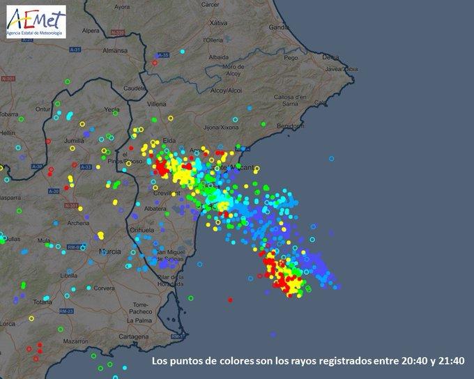 Suspendida la app Pidetaxi en Alicante por el temporal
