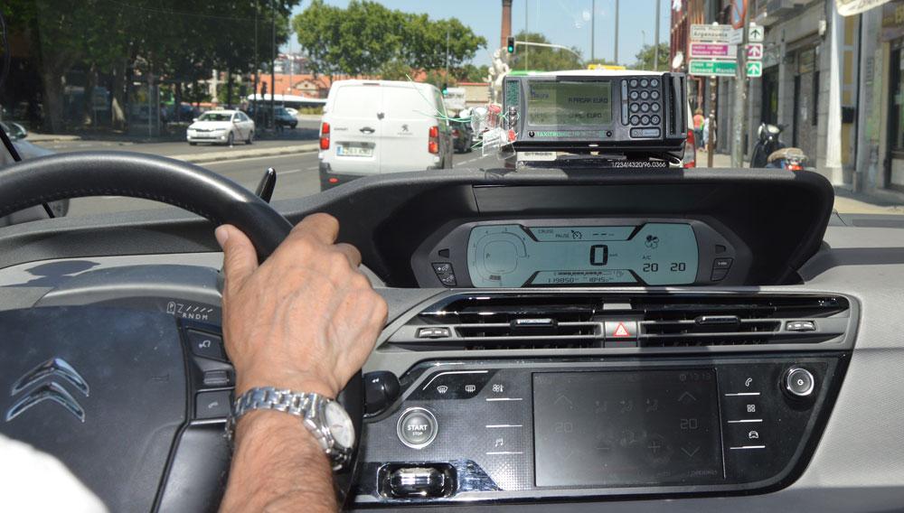 Los asalariados del taxi pelearán por un convenio digno