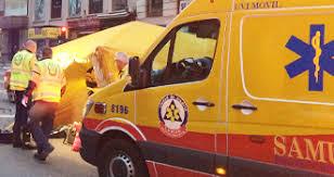 Un taxista encuentra a un joven apuñalado