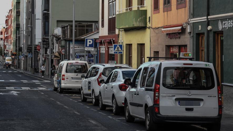 1.400 euros para cada titular de taxi de La Laguna