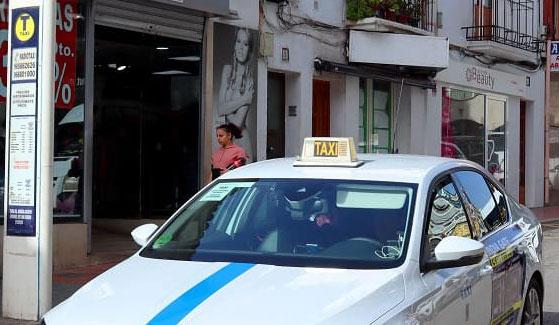 Los taxistas de Benidorm no podrán conducir VTCs