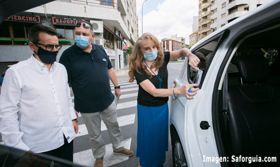 El taxi de Gandía colabora en una campaña contra la violencia de género