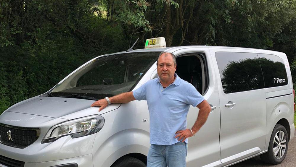 """El taxi rural, un servicio """"imprescindible"""" para mantener vivos los pueblos"""