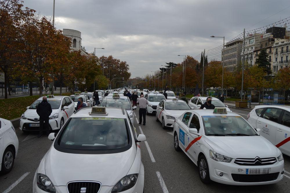 Reunión clave para la regulación del taxi de Madrid