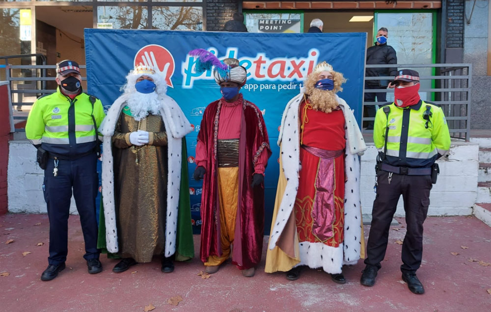Los Reyes Magos de Oriente viajan en taxi