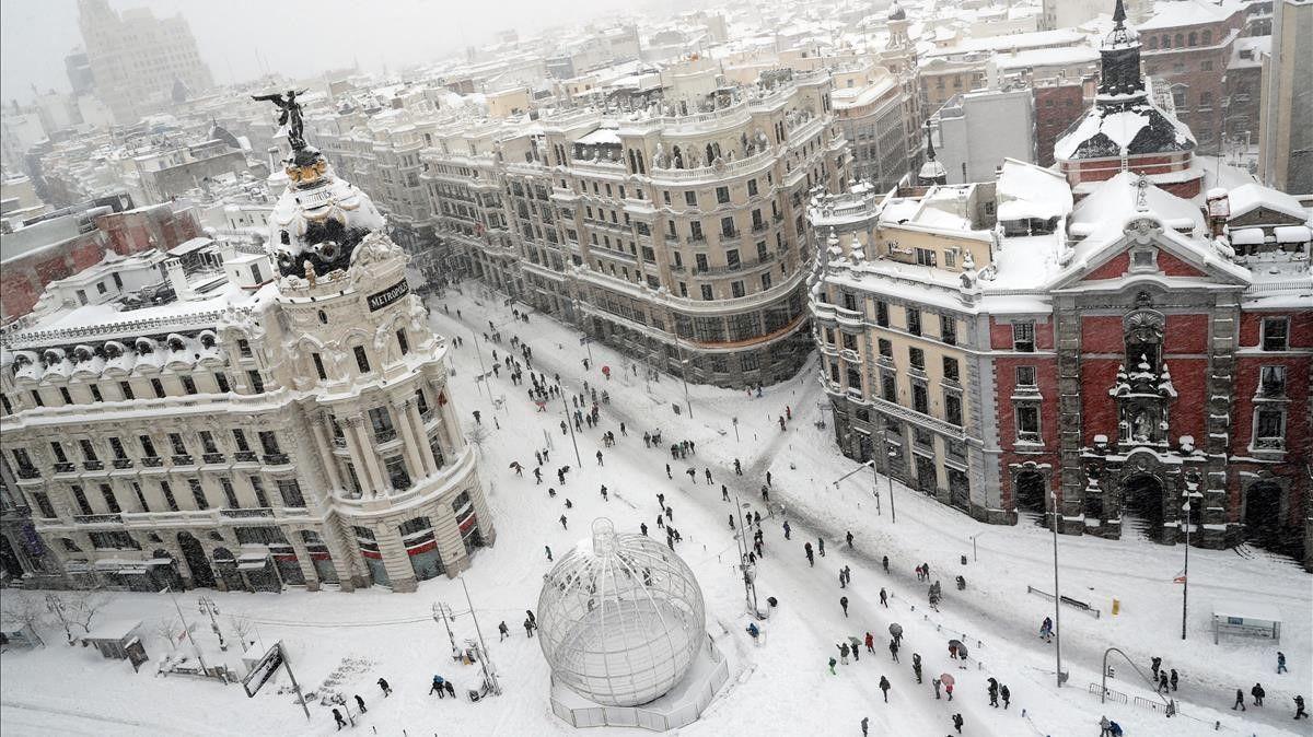 El taxi madrileño recupera el servicio lentamente
