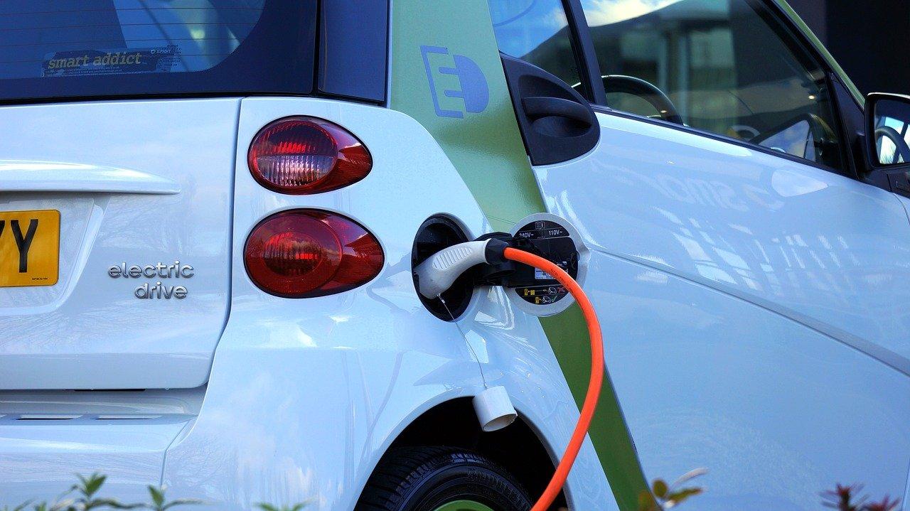 El sistema de homologación frena la electrificación del taxi