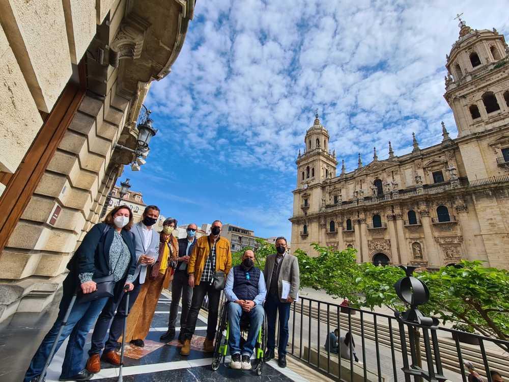 Jaén estudia cómo mejorar el servicio de eurotaxi